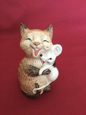 Beswick Cat Holding A Mouse • 12£