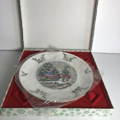 Royal Doulton Christmas 1979 Fine China Plate In Box • 10£