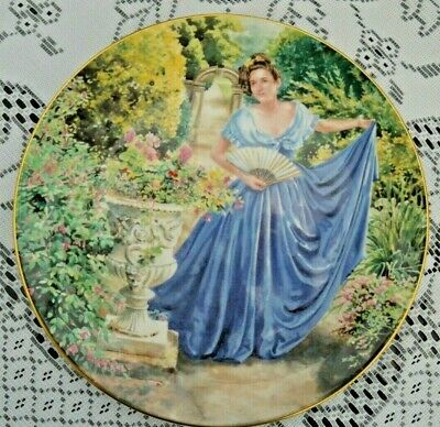 ROYAL DOULTON 21cms DECORATIVE PLATE-  ELAINE  TOGETHER WITH WALL FIXING. • 6.99£
