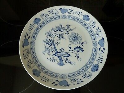 MADE IN BOHEMIA, CZECHOSLOVAKIA 1980s BLUE & WHITE 9 INCH PLATE • 6.95£