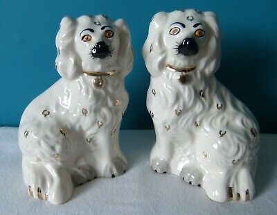 PAIR OF Vintage Beswick Staffordshire Wally Dogs • 10£
