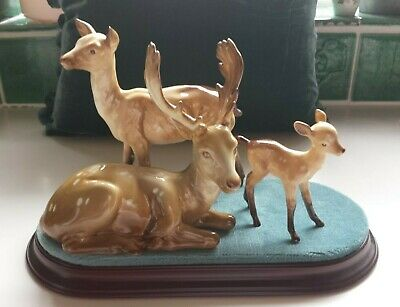 Beswick Sitting Stag, Doe, Fawn Family On New Plinth Perfect Condition • 90£
