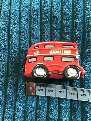 Miniature Red Bus • 3£