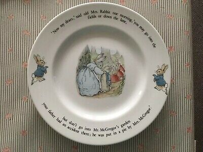 Wedgwood Beatrix Potter ONE  PETER RABBIT 10  Pottery Dinner Plate Cute! Used • 9£