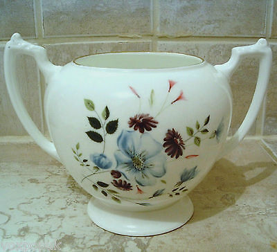 Sugar Bowl Double Handle Vintage Bone China • 10£