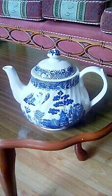 Willow Pattern Teapot By Barratts Of Staffordshire Ceramic Approx 15cm High. • 9.99£