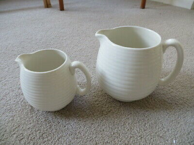 2 BESWICK RIBBED JUGS JUGS - 2651 AND 2653 - CREAM - Vintage • 8.99£