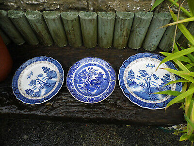 Antique Blue And White Willow Pattern Plates • 8.49£