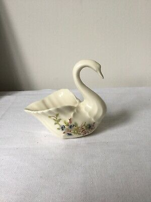 Cre Irish Porcelain Swan Floral Pattern • 25£