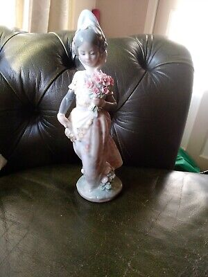 Lladro Spanish Lady With Flowers A/f • 11£