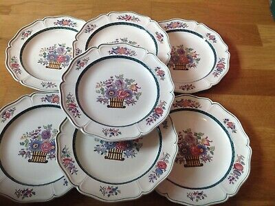 Wedgwood Etruria Floral Pattern A6793 ( 7Scalloped Salad/Luncheon Plates 20.5cm • 49.99£