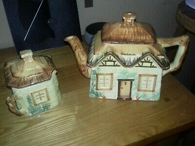 Vintage Keele St. Pottery Hand Painted Cottage Ware Teapot And Sugar Bowl  • 6£