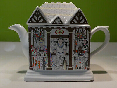 "Rare Wade Vintage English Life Teapot  ""Cricket Pavilion  - Pristine Condition • 8£"