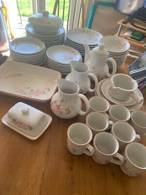 Boots Hedge Rose Pottery - 60 Items • 45£