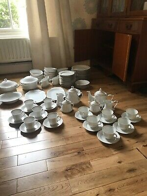 Gold Plated China Dinner Service • 80£