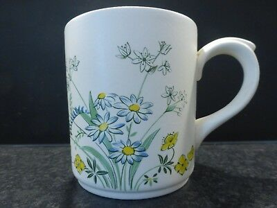 POOLE POTTERY Pretty 'can' Style MUG In A Distinctive Floral Pattern 9.5 Cm Tall • 4.50£