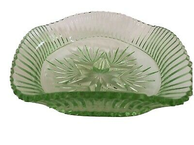 Vintage Green Glass Dish Crimped Edge Star And Fan Design Star Based • 10.99£