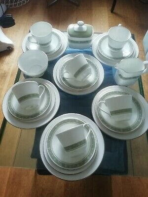 Royal Doulton Rondelay 27 Peice Tea Set   • 0.99£