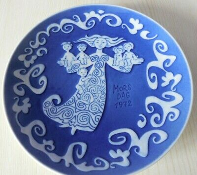 Royal Copenhagen Porcelain  1972 Mother's Day Plate .  In Good Condition • 20£