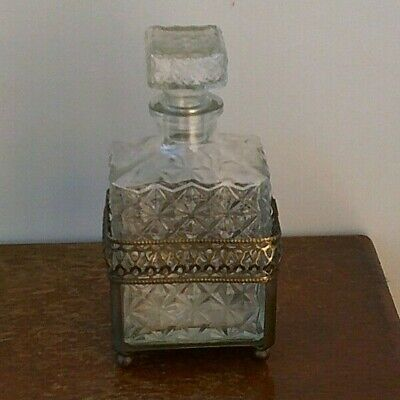 Vintage (1920's) Hand Cut (24% Lead Crystal) Decanter With Silver Plated Holder. • 24.99£