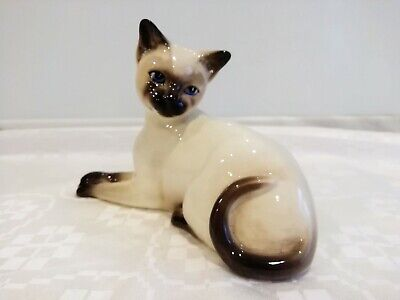 Early Beswick Siamese Cat Lying Facing Left. Model No. 1558A-Puffed Out Cheeks.  • 9.99£