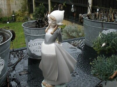 Lladro Figure Of Girl With Pigtails • 9.99£