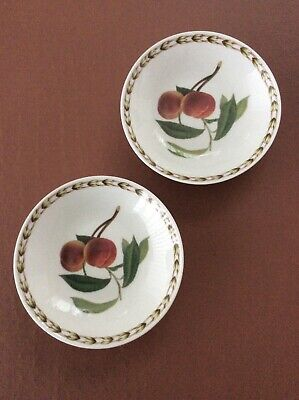 QUEENS HOOKERS FRUIT Set Of 2 SMALL DISHES 12.5cm Dia • 5£