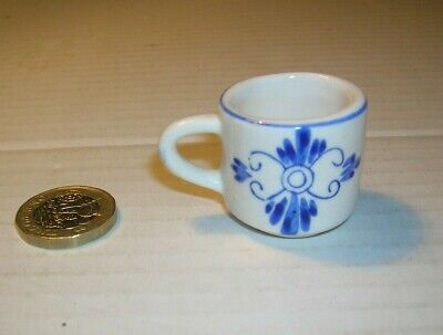 Miniature Blue And White Hand Painted China Mug Miniature Collectable  • 5£