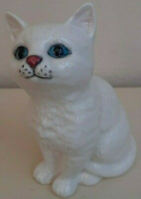 Collectable Vintage Beswick White Blue Eyed Cat Figurine • 15£