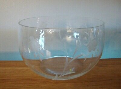 Dartington Crystal ~ Fuchsia 9  Fruit / Salad Bowl In Excellent Condition • 28.50£