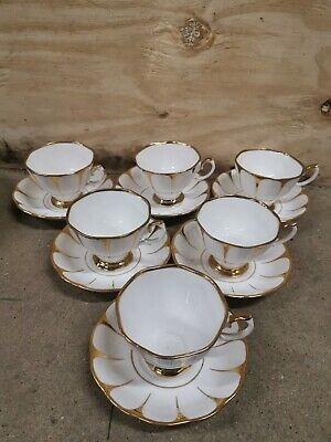Vintage Royal Vale Daisy China Tea Set Cups Saucers White Gold • 24.95£