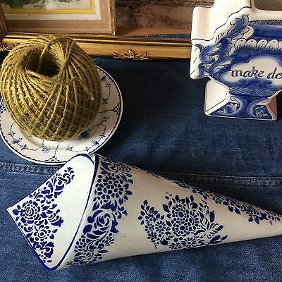 Fab Blue White Conical Floral Hanging Pocket Planter Vase Horn Of Plenty Delft • 30£