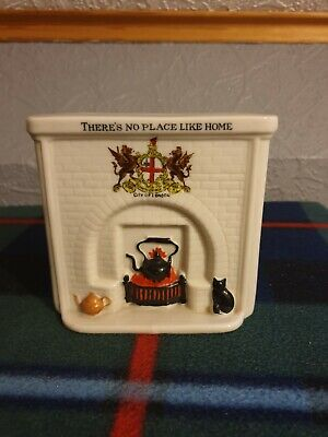 Arcadian Ww1 Fireplace With Black Cat Crested CITY OF LONDON  • 8£