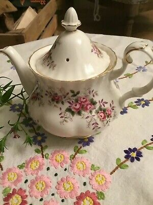 Royal Albert Lavender Rose Small Tea Pot For One 1st Quality • 11.50£