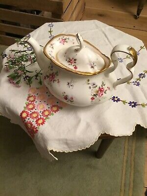 Royal Albert Extra Large Tenderness Tea Pot. Excellent Condition • 21£