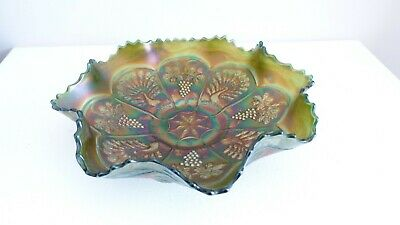 Vintage Fenton Peacock And Grape Green Opalescent Carnival Glass Bowl • 35£