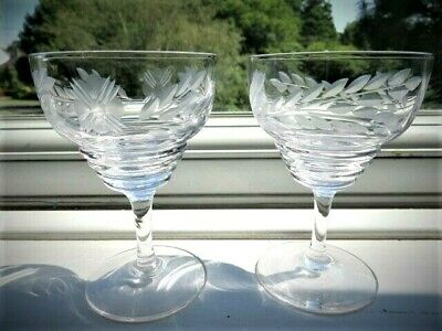 Pair Of Vintage Cocktail Glasses With Engraved Leaves • 12.99£