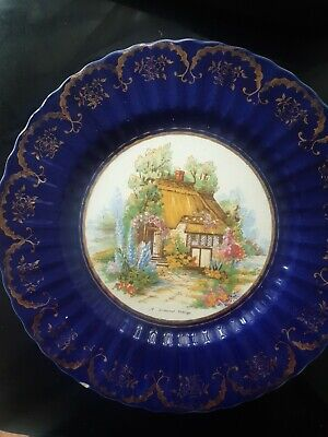 Royal VICTORIA WADE POTTERY PLATE - A Somerset Cottage • 5£