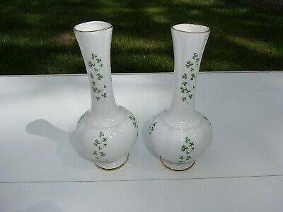 Royal Tara Irish Bone China Vases, Shamrock Design. • 15£