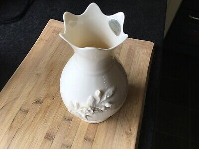 Donegal China Vase • 6£