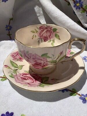 Aynsley Vintage Cup And Saucer Pale Peach With Pink Cabbage Roses • 10.50£