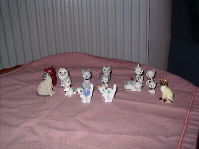 Collection Small Cat  Including Two Wade Minikin Cats • 5.99£