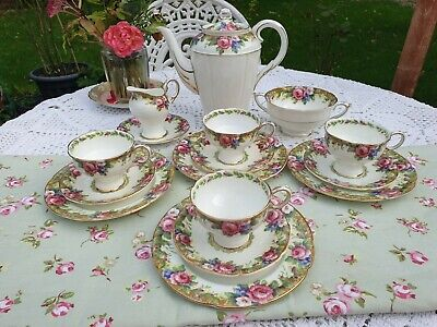 Paragon Tapestry Rose Coffee Set • 120£