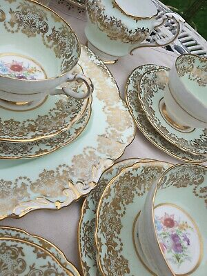 Paragon Teaset With Gold Detail • 270£