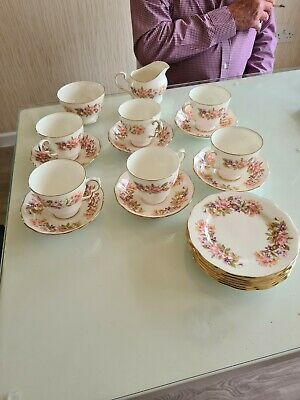 Colclough Bone China Tea Set Wayside • 21.99£