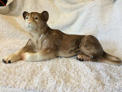 Vintage Retro Ceramic H A Wain & Sons Melba Ware Figurine Lioness Large Big Cats • 22£