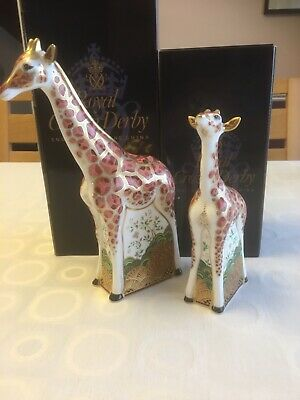 Royal Crown Derby Mother And Baby Giraffes Gold Edition • 399.95£