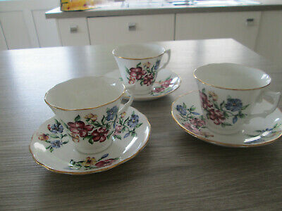 Vintage Colclough Flowers Set Of 3 Cups And Saucers • 17.50£