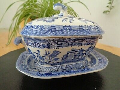 Pretty Antique Pearlware Blue And White Willow Pattern Sauce Tureen On Stand • 9.99£