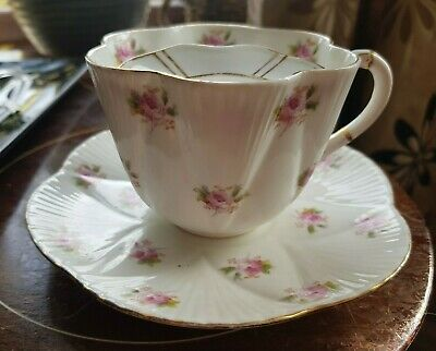 Relisted.Rare MOUSTACHE Antique Foley China Pink Roses Pattern Cup & Saucer • 65£